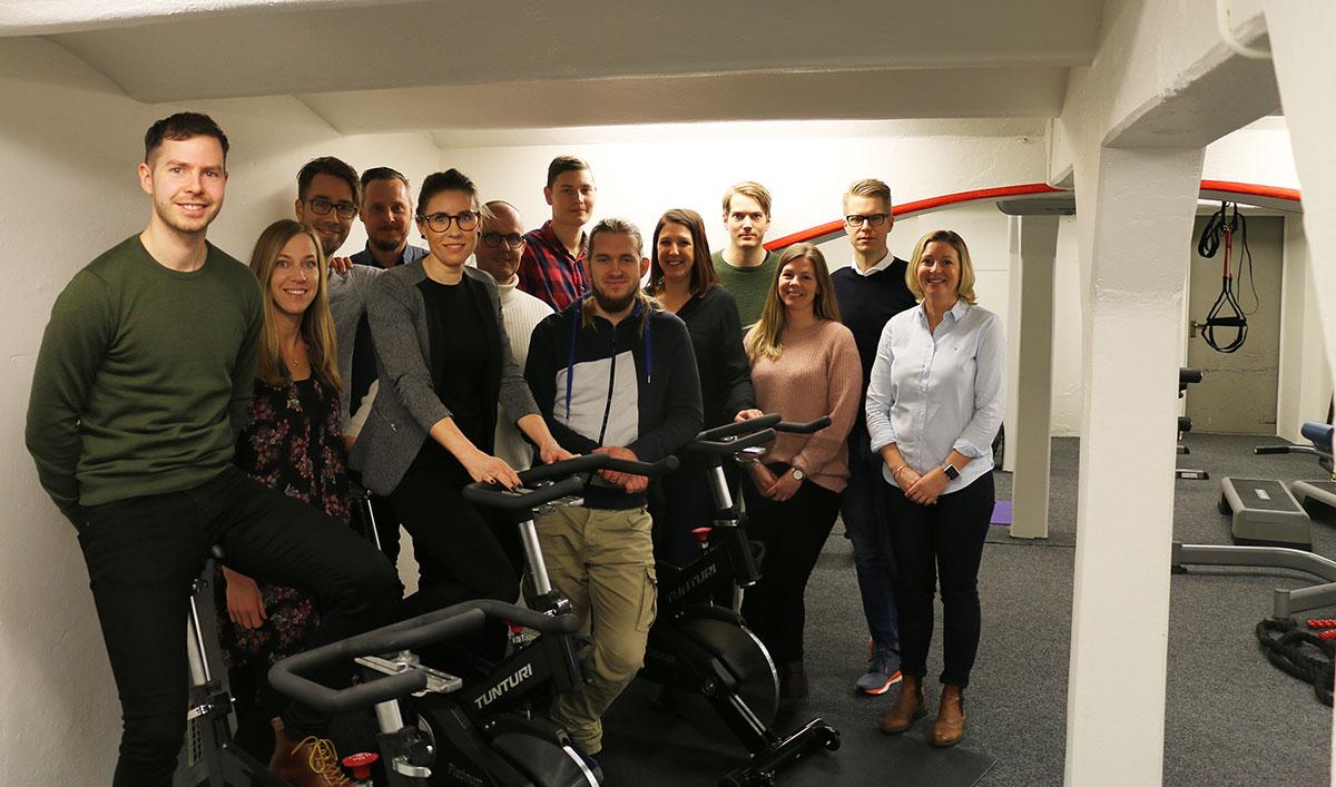 Askås cyklar för Barncancerfonden